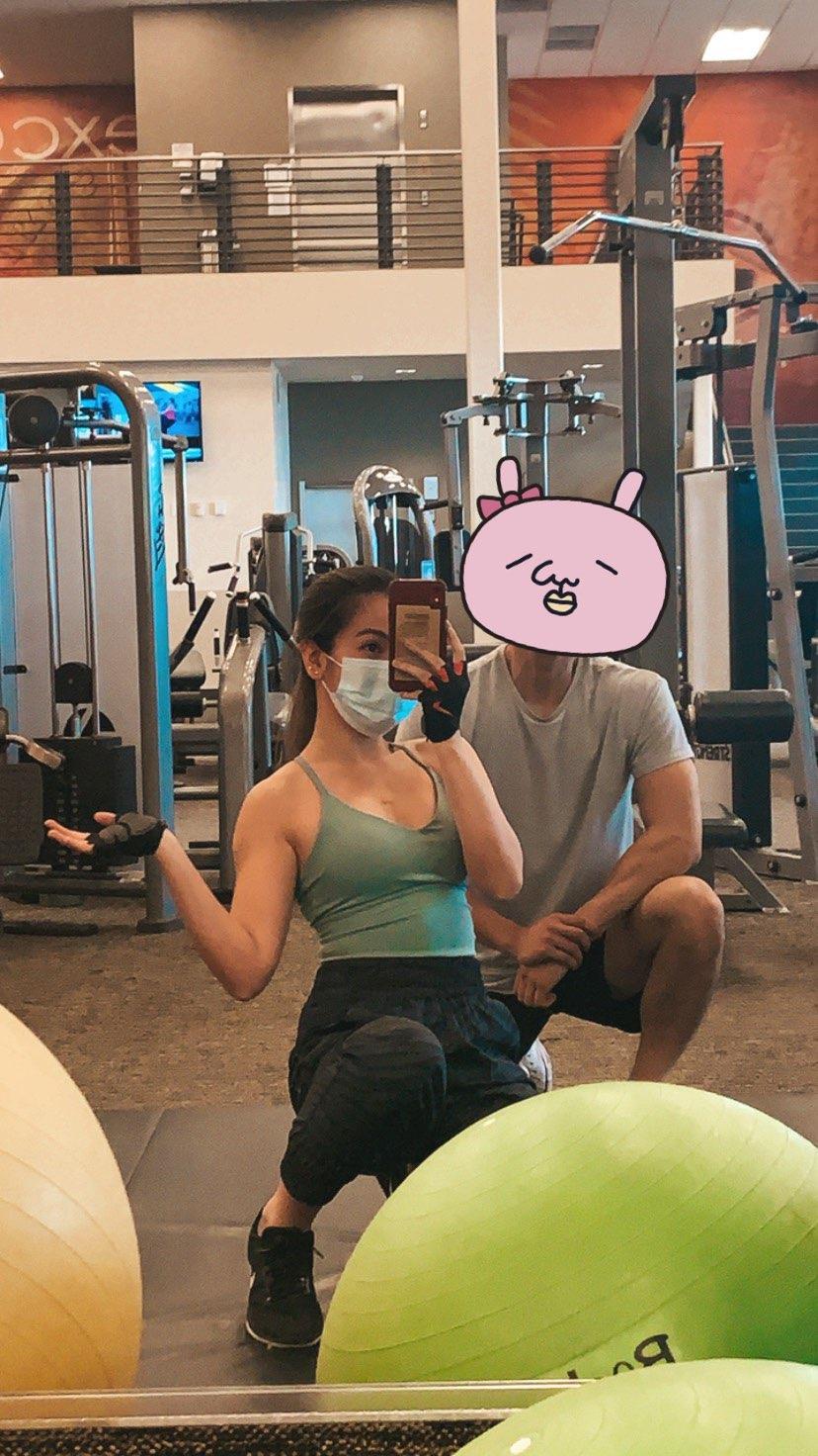 blue gym top